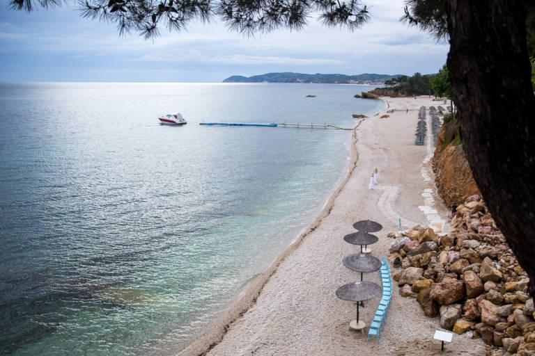 Decoratiuni de nunta pe plaja in Thassos