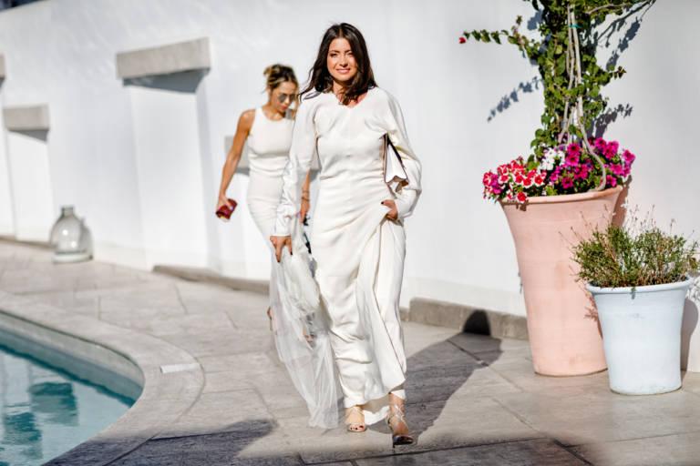 Rochie de mireasa pentru nunta pe plaja in Mykonos, Grecia